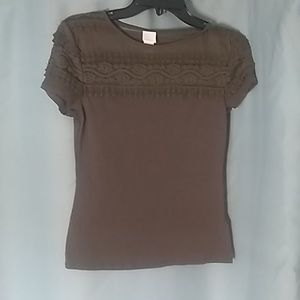 NWOT H&M OLIVE TEE WITH LACE DESIGN - S